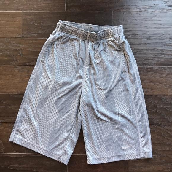 nike shorts youth xl